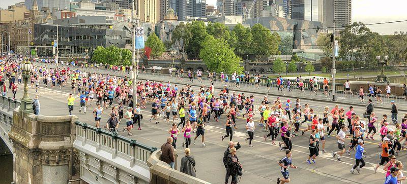 800px-2013_Melbourne_Marathon_(10235777033)